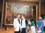 フランスのルーブル美術館にて 奥さまと