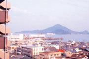 9階から眺める興居山