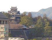 北側より松江城を臨む