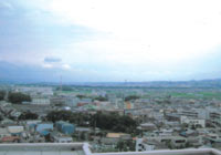 屋上より木津方面を眺む