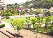 マンション隣接の公園