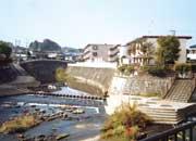 鶴見川と真光寺川の合流場所