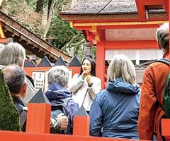 春日大社でのガイドツアー(アメリカの禅センターの皆さま)