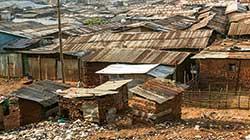 東アフリカ最大のスラム・キベラスラム