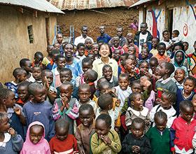 マゴソスクールの子どもたちと