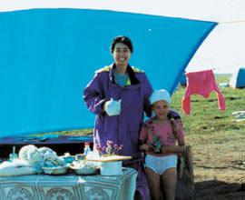 シベリアのキャンプ地でティータイム