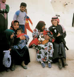 シリア現地住民と