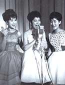 3人娘時代。左から、園まりさん、中尾ミエさん、伊東ゆかりさん