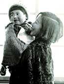 昭和9年。母の橘秋子と