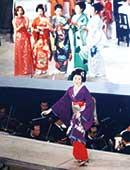 NHK『紅白歌合戦』に芸者姿で出場