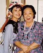 1988年、親子展で母と