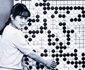 30代半ばころ。1984〜1993年、NHK杯テレビ囲碁トーナメントで司会を務めていた