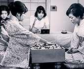 20歳のころ。木谷實師匠の娘であり、憧れの木谷禮子先生との女流名人戦決勝戦。左が本人