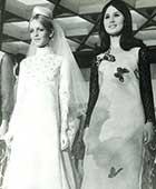 1967年英国モデル「ツイッギー」と大阪東レファッションショーにて