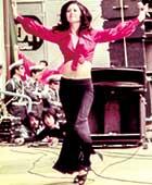1973年『どうにもとまらない』のステージ