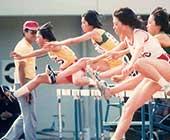 高校時代。県大会の100メートルハードルの決勝にて。左端が本人