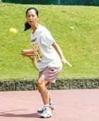 大学院博士課程のころ。一般の社会人テニスサークルの合宿にて