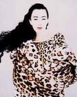 現役モデル時代 大好きなヒョウ柄の衣裳で