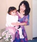 1998年 1才半の娘とコンサートの後で