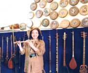 ウズベキスタン、楽器にも文明とオーナメント