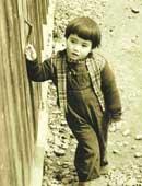 3歳のころ。ショートヘアでまるで男の子のようだった