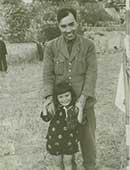 3歳のころ。父と