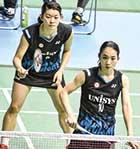 現役時代。16歳から引退するまでペアを組んだ松友美佐紀選手(右)と