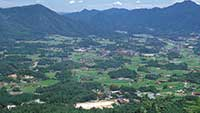 島根県邑南町、於保知盆地の風景