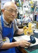 角 文喜さん/国分寺おもちゃ病院 院長