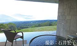 標高1000mに建ち山々を見渡す温泉がある、赤倉観光ホテル(新潟県妙高市)