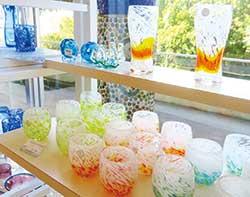 すがすがしい最近の琉球ガラス(琉球ガラス村)